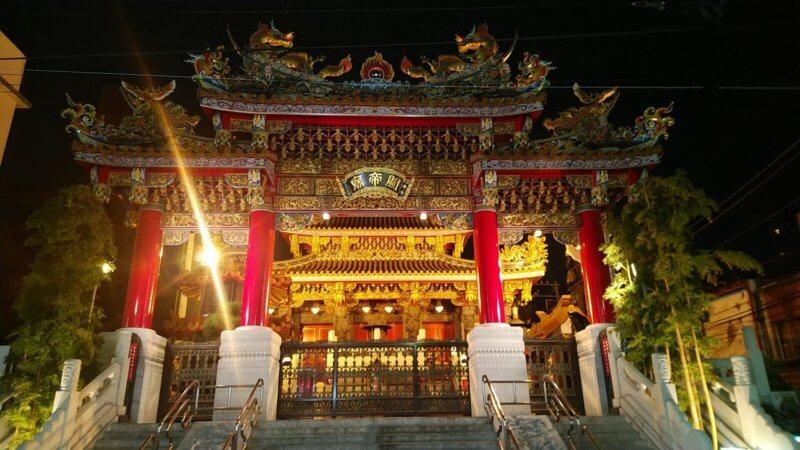 global cabin 横浜中華街の目の前にある関帝廟