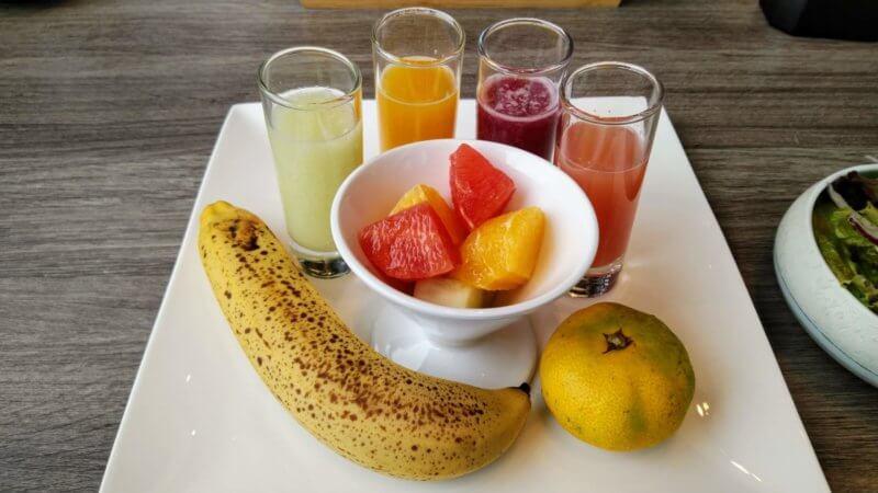 朝の至福のフルーツプレート